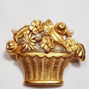 Flowers Basket Faux Pearl Gold Tone Brooch Carolee
